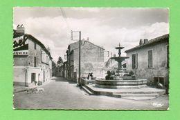 CPSM  FRANCE  30  ~  BELLEGARDE  ~  Rue De Nimes  ( Combier Dentellée 1956 )  2 Scans - Bellegarde