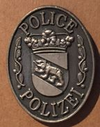 POLICE BERNOISE - BERNER POLIZEI - SUISSE - COP SWISS - SCHWEIZ - BERNE - BERN - OURS - BÄR   -     (19) - Police