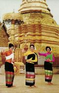 Thailandia (North Thailand) Young Dancing Girls Of Chiengmai In Front Of Chedee At Wat Phrathat Doi Suthep-Mountain - Tailandia
