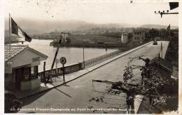 Frontière Franco Espagnole  Au Pont International . Au Fond  Irun  ..... - Hendaye