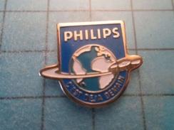 Pin510d Pin's Pins : BEAU ET RARE : PHILIPS C'EST DEJA DEMAIN GLOBE TERRESTRE INVENTION DU CD - Musique