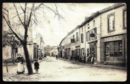 CPA ANCIENNE FRANCE- ALBAN (81)- LA GRAND'RUE EN HIVER- BELLE ANIMATION GROS PLAN- VITRINE PATISSERIE- - Alban