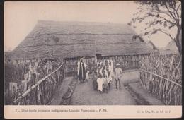 CPA   Guinée Française.  Une école Primaire Indigène En Guinée Française - Guinée Française