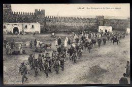 MAROC - RABAT - Les Remparts Et La Place Du Marché - Rabat