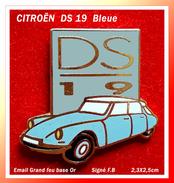 SUPER PIN'S CITROËN : Belle DS 19 Bleu Turquoise, émaillé Grand Feu Base Or Signée F.B, Format 2,3X2,5cm - Citroën