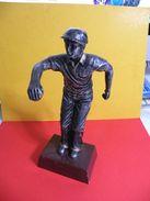 Trophée De Pétanque, Sculpture De 22 Cm Ht -Trophy Bowls, Sculpture 22 Cm Ht (restauré) - Bocce