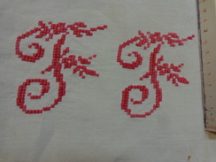 Monogramme Brodes Rouge F F Pour Loisirs Creatifs - Habits & Linge D'époque