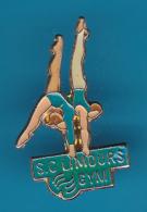 52695-Pin's.Gymnastique.S.C.Limours. - Gymnastics