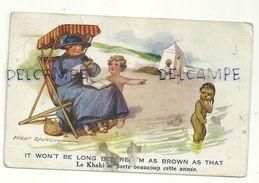 """Enfants Et Femme à La Plage, Petite Fille Noire. """"Le Khaki Se Porte Beaucoup Cette Année"""". Signée Fred Spurgin. 1920 - Spurgin, Fred"""