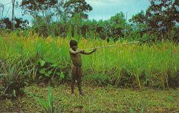Republica De Panama, Un Joven Indio Chocos Del Darien, A Young Choco Indian Of Darien Testing A Bow And Arrow - Panama