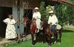 Republica De Panama, Campesinos De Ocu, Prov. De Herrera, En Sus Trajes Tipicos, Native Of Ocu In Their Typical Dresses - Panama