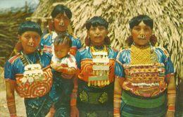 Republica De Panama, Indias De Las Islas De San Blas, Indian Women Of San Blas Islands In Their Dresses & Adornement - Panama