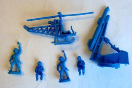 RARE équivalence De BOITE ATLANTIC 102 1/72 Personel De Base Aerienne 2 Hélicopter Et Missile No Airfix Matchbox Esci .. - Army