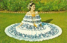 Republica De Panama, Una Hermosa Senorita Luciendo La Pollera, A Beautiful Young Ladies  Wearing The Pollera - Panama