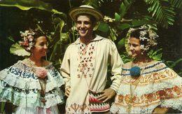 """Republica De Panama, Senoritas Luciendo """"Polleras"""" Y Un Joven Ataviado En El Montuno, Young Ladies Dressed In Pollera - Panama"""