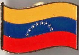 Pin / Badge Flag Venezuela - Badges