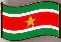 Pin / Badge Flag Suriname - Badges