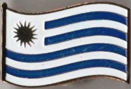 Pin / Badge Flag Uruguay - Badges