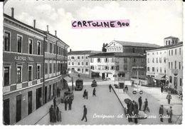 Friuli Venezia Giulia-udine-cervignano Del Friuli Piazza Unita' Veduta Fermata Auto Corriere Auto D'epoca Animatissima - Italia