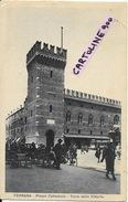 Emilia Romagna-ferrara Citta Piazza Cattedrale Veduta Anni 30 Fermata Vecchio Tram Persone Torre Orologio Animatissima - Ferrara