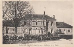 79 - MAIRE LEVESCAULT - La Mairie Et Les Ecoles - France