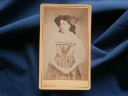 Photo CDV Bonnefon à Corbeil - Femme Alsacienne Avec Coiffe Folklorique, Circa 1870-75 L326 - Photos