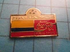 Pin510a Pin's Pins / Beau Et Rare : COCA-COLA MONDIAL FOOTBALL ITALIE 1990 DRAPEAU EXOTIQUE LE BURKINI-FASO ? - Coca-Cola