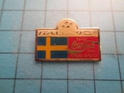 Pin510a Pin's Pins / Beau Et Rare : COCA-COLA MONDIAL FOOTBALL ITALIE 1990 DRAPEAU SUEDE - Coca-Cola