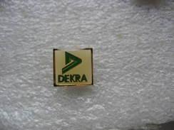 Pin's Embleme Des Centres De Contrôle Technique Dekra - Badges