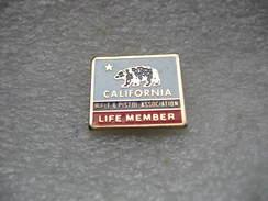 Pin's CALIFORNIA: Rifle & Pistol Association. Life Member - Associations