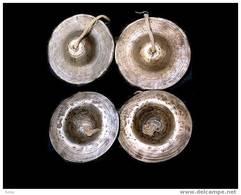 Anciennes Cymbales Birmanes Tingsas En Bronze / Old Burmese Cymbals - Instruments De Musique