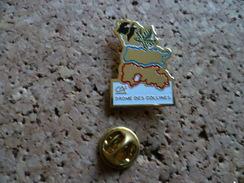 Pin's  ** Credit Agricole Drôme Des Collines  ** Banque - Banks