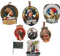WW1 - 8 épinglettes Des JOURNÉES DU POILU - Documents Historiques