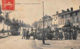 LA MULATIERE - La Route De Pierre Bénite - Tramway - Café Brasserie De La Place - Autres Communes