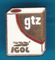 52706-Pin's.bidon D'Huile Igol.GTZ.carbrant.signé Decat Paris.. - Fuels