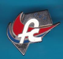 52709-Pin's.Fédération Française D'Athlétisme.Bourgogne Franche Comté.signéarthus Bertrand Paris. - Arthus Bertrand