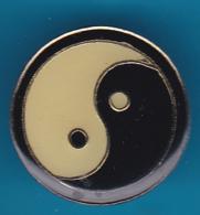 52723-Pin's.Ying Yang.arts Martiaux.judo.... - Judo