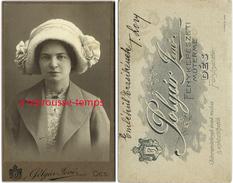A Voir-CDV Femme Avec Remarquable Chapeau Nommée T. LORY-mode-pays De L'est Hongrie-photo à Dès - Fotos
