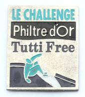 Pin's Café PHILTRE D'OR - Le Challenge  TUTTI FREE - Véliplanchiste - Planche à Voile - G1083 - Beverages
