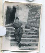 Militaire Femme à Situer Identifier Petite Photo Cf Scan Dos Lecriture Lettre 1945 Ww2 39-45 - Anonymous Persons