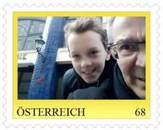 0055: RRR- Kleinauflage Hieronymus Mit Papa Vor Dem Hundertwasserhaus 20 Stck. Auflage - Private Stamps