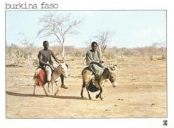 BURKINA FASO - Sur La Route D'ARIBINDA, Province Du Soum. Voyageurs Dans Une Nature Désolée................ANE - Burkina Faso