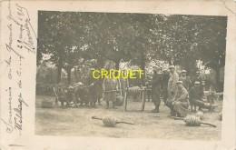 Guerre 14-18, Carte Photo De Poilus Qui Déroulent Du Barbelé Pour Tranchées, Village De C..., 1915, Beau Document - War 1914-18