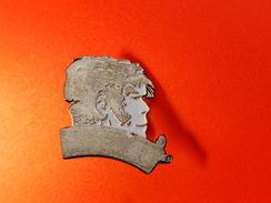 Pin's -   CORTO MALTES - Badges