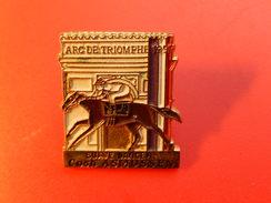 Pin's -   ARC DE TRIOMPHE 1991- SUAVE DANCER - Badges