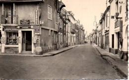 37 L'ILE-BOUCHARD  Rue Gambetta - L'Île-Bouchard