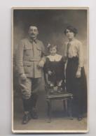 SOLDAT Du 30 Eme Régiment Et Sa Famille - Fillette - Carte Photo - Personen