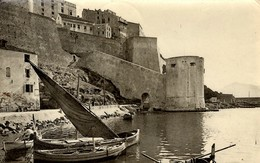 CORSE - CALVI - Sardanes Au Pied De La Citadelle - Calvi