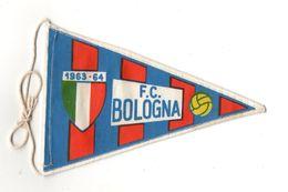 """07130 """"BOLOGNA F.C. FOOTBALL CLUB - BANDIERINA BIFRONTE IN STOFFA CON LEGACCI"""" ANNI 1963/1964 ORIG. - Abbigliamento, Souvenirs & Varie"""