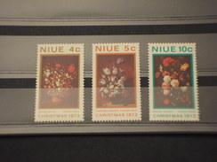 NIUE - 1973 NATALE/FIORI  3 VALORI - NUOVI(++) - Niue
